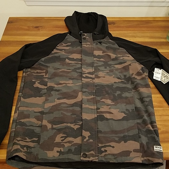 O'Neill Other - O'Neill camo and black traveler jacket
